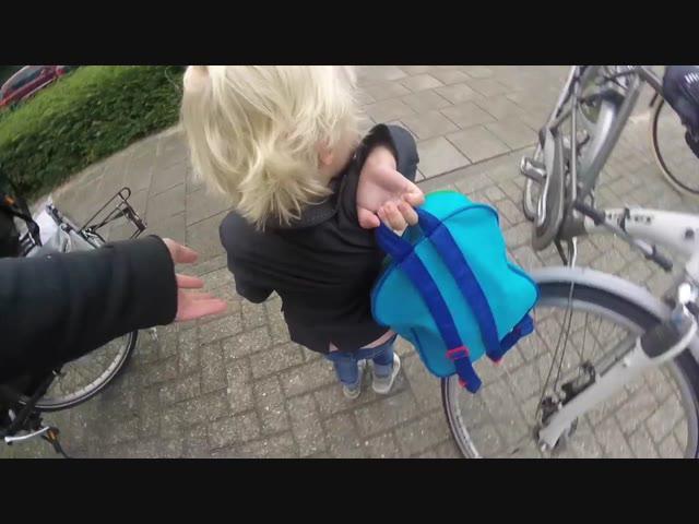 LUAN'S EERSTE SCHOOLDAG GROEP 1   Bellinga Vlog #382