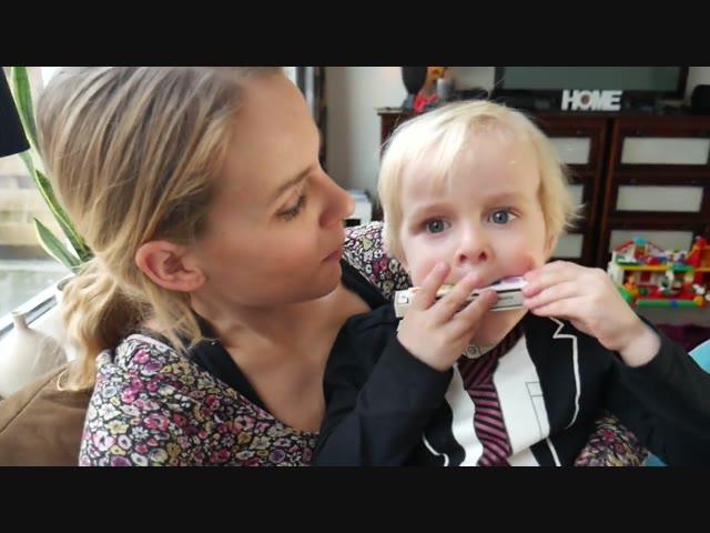 SPELEN BIJ KLASGENOOTJE | Bellinga Vlog #517