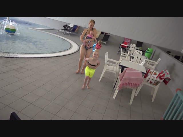 HAAi iN ZWEMBAD ? Bellinga Familie vlog #1023