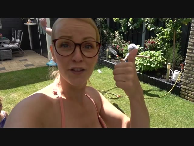 WATERPRET LOOPT UiT DE HAND  | Bellinga Familie Vlog #1059