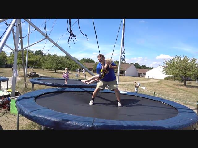 GAAN WE BUNGEEJUMPEN ?  | Bellinga Familie Vlog #1086